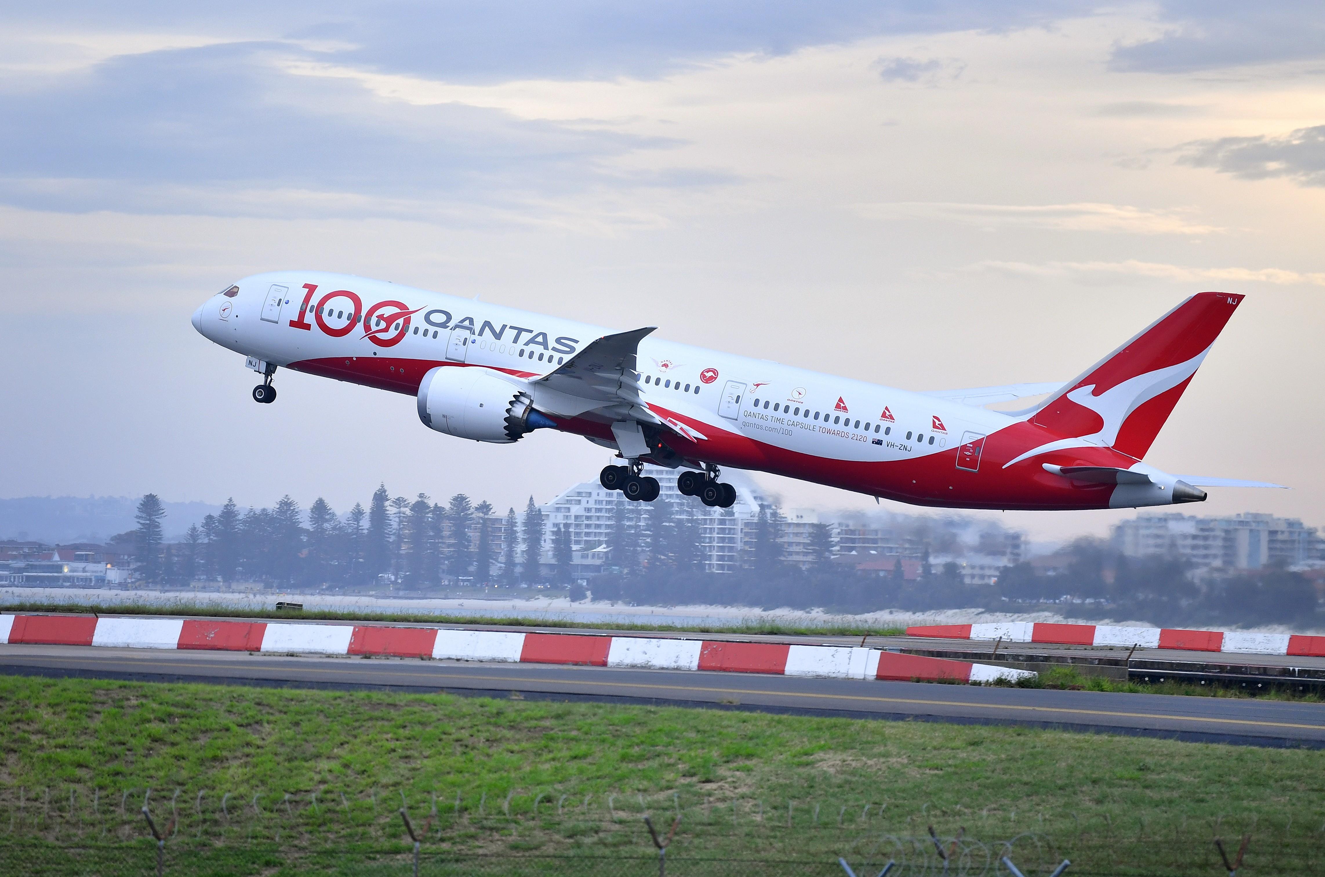 Qantas diz que só passageiros vacinados contra Covid-19 poderão embarcar em voos internacionais
